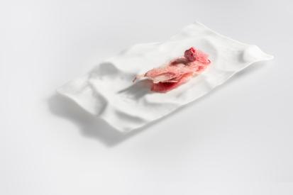 millefeuille-of-lactic-raspberries__milhojas-de-frambuesas-lacteas-quique-dacosta-2016-by-pelut-i-pelat